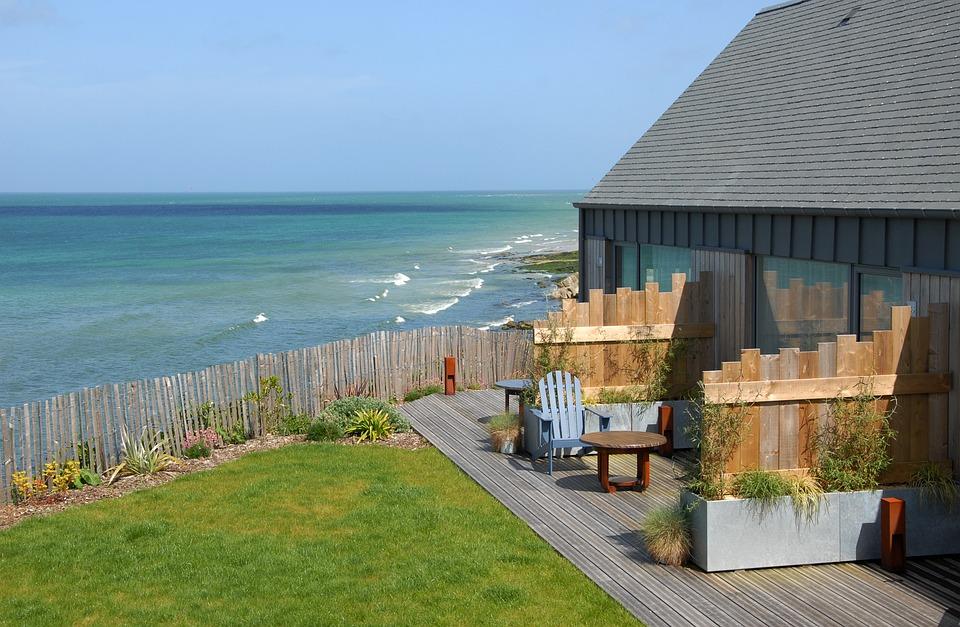 Terrasse Entspannung Grundstück Gartenmöbel Haus