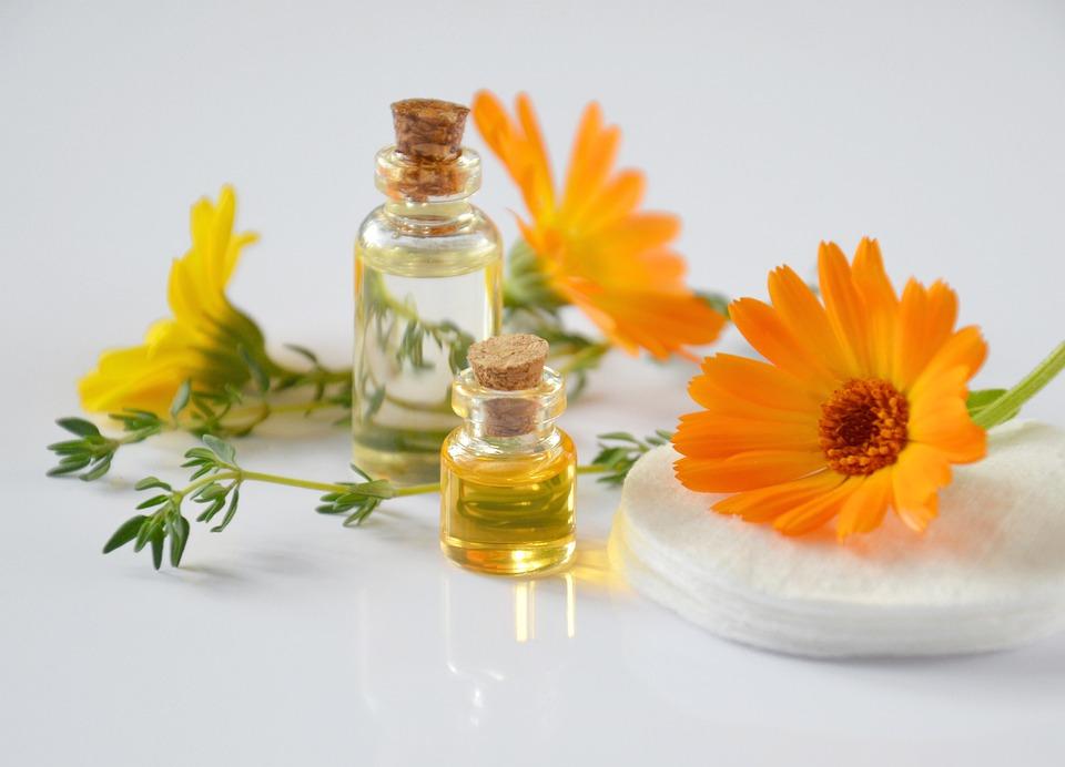Gli Oli Essenziali, Cosmetologia, Olio Cosmetico