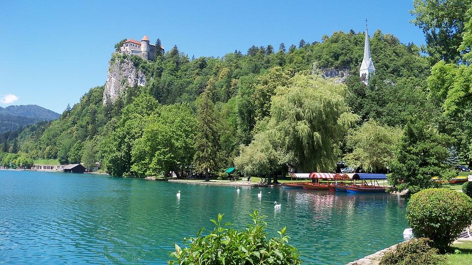 Tó, Vérzett, Szlovénia, Castle
