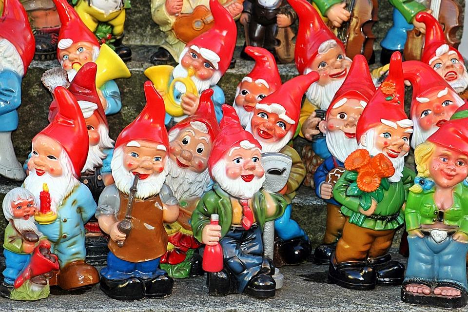 Baštenski patuljci  Garden-gnomes-2747109_960_720