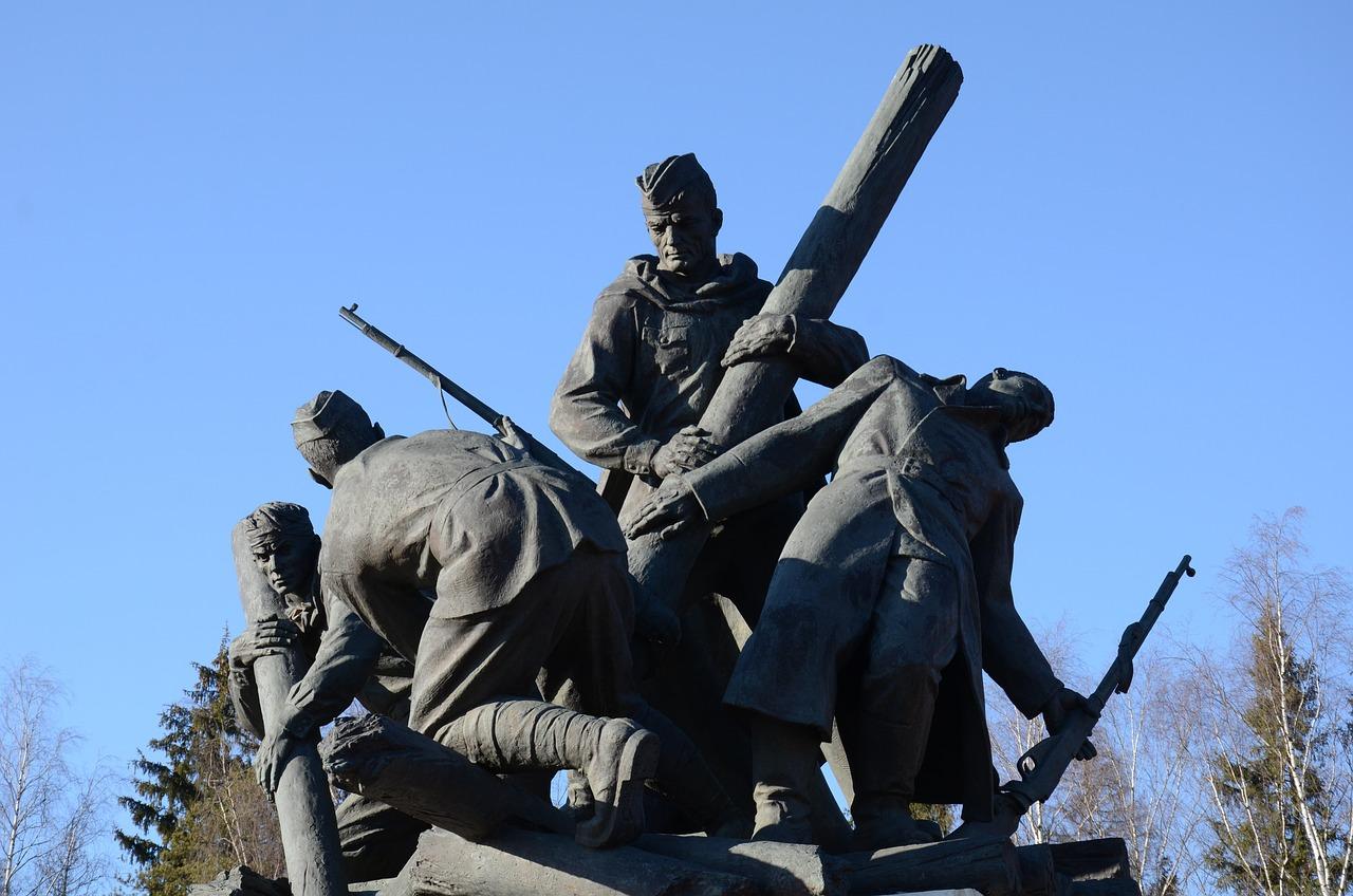 известные памятники в россии в честь победы свечи имеют эстетическую