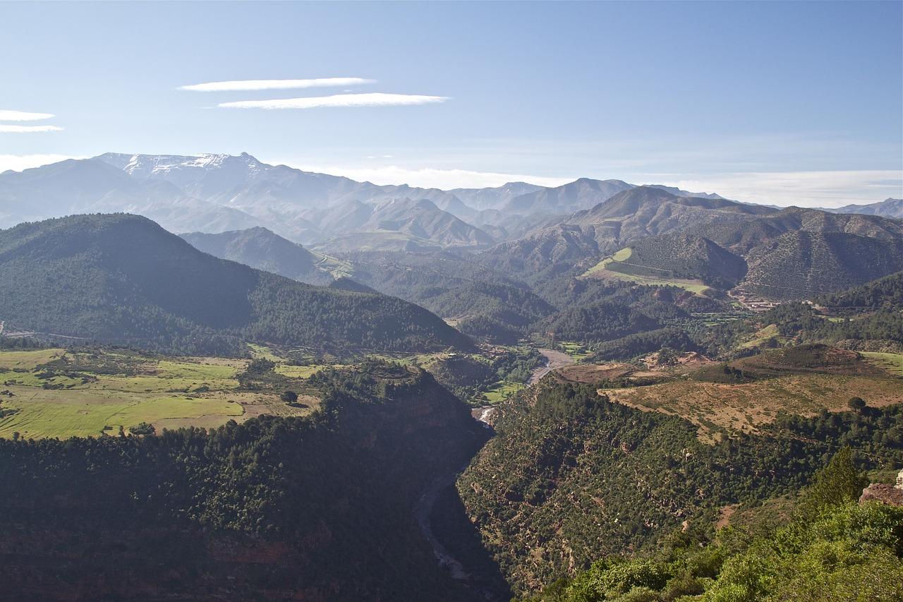 картинки горы атлас селе
