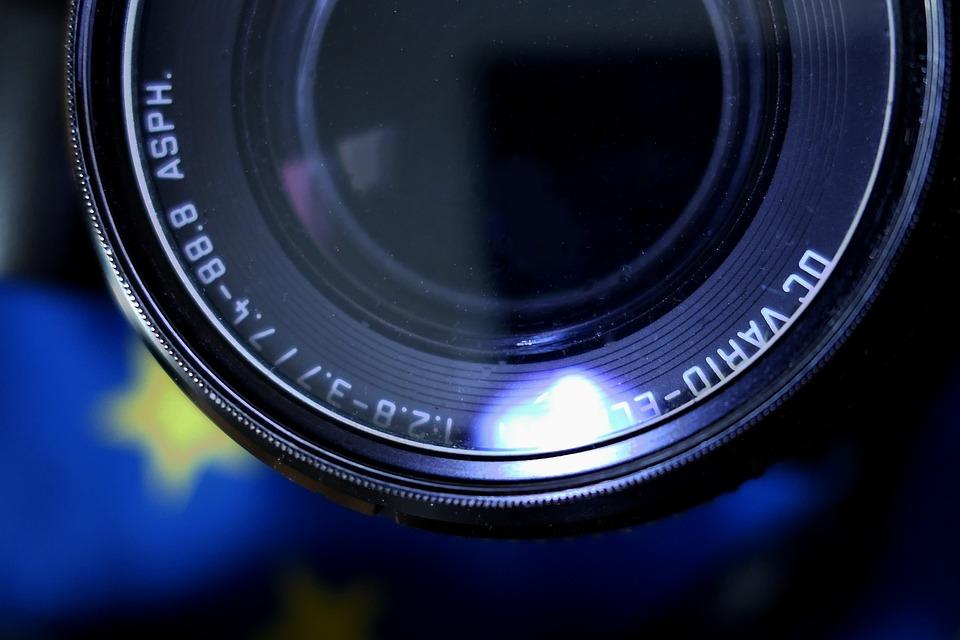 lens-2752598_960_720.jpg