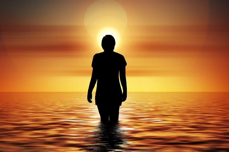 泳ぐ, 儀式, 瞑想, Suicid, 自殺, 反射, 女性, 人, サンセット, 波, サークル, 中間