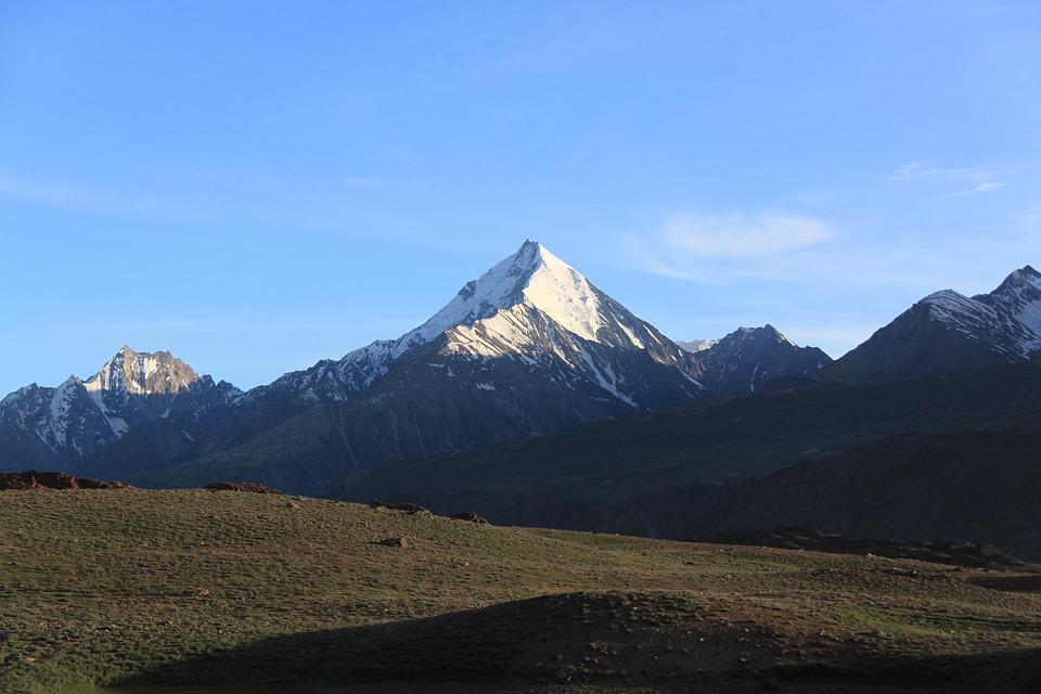 山, 山地景观, 自然, 天空, 环境, 太阳, 旅行, 户外, 高地, 风景