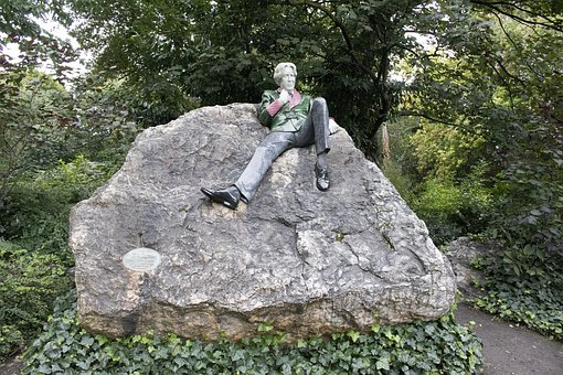 Estatua de Oscar Wilde, Parque de la Plaza Merrion