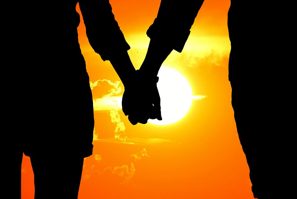 Психолог объяснила падение популярности Дня святого Валентина среди россиян