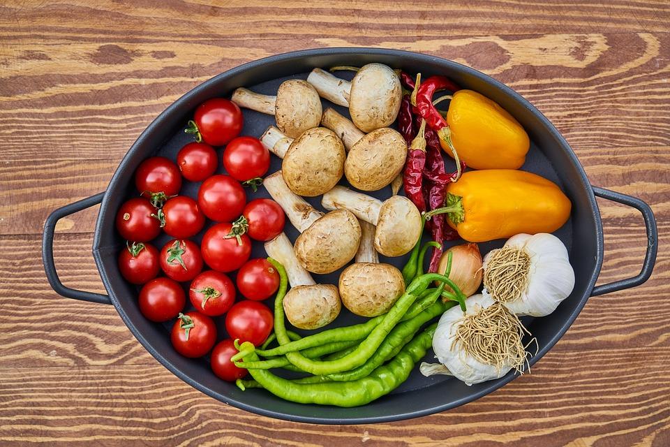 Cazzarola, Vegetale, Pomodoro, Peperone Giallo, Funghi
