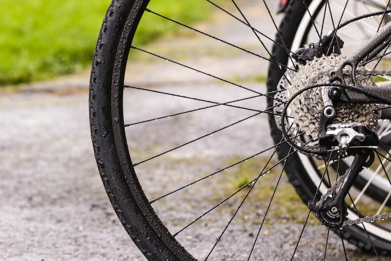 Картинки в колесах велосипеда