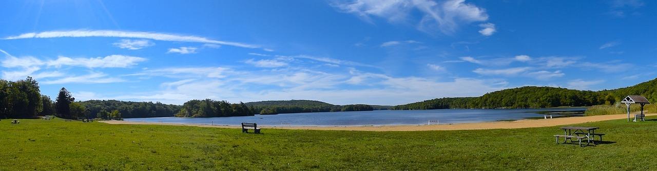 lake-2779803_1280.jpg