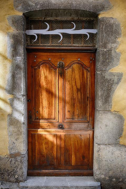 Puerta madera antigua puerta madera antigua doble hoja for Puerta casa antigua