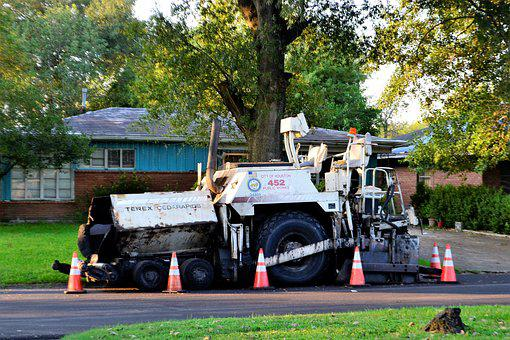 Road Paving Truck, Tar, Terex