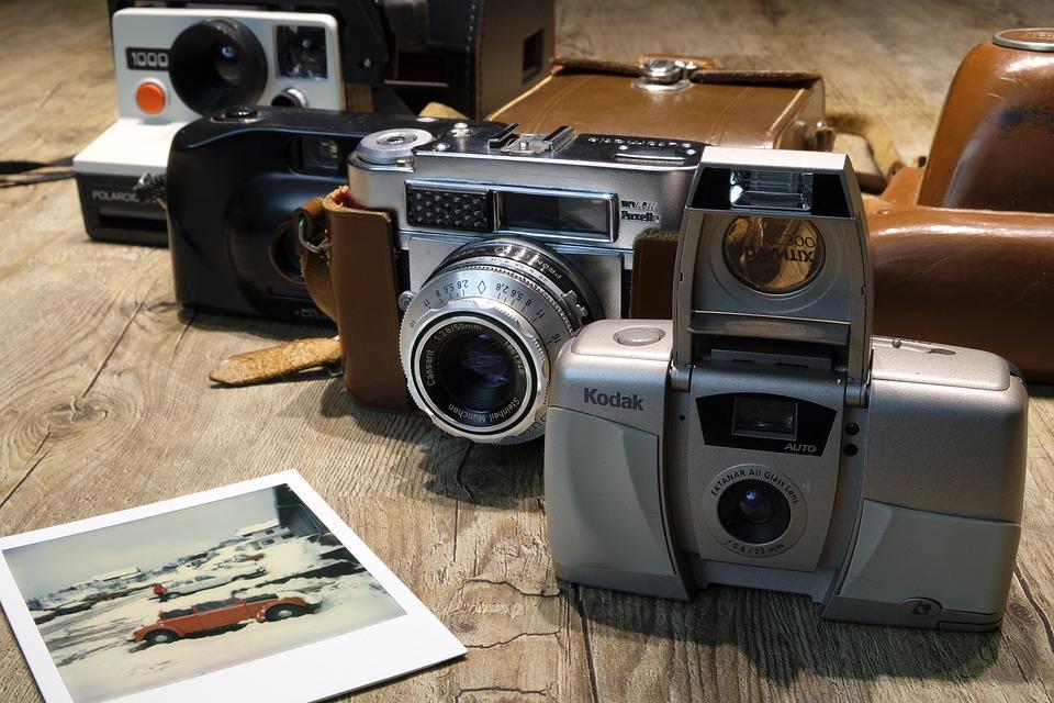 小さいから持ち運びも簡単!おしゃれなコンパクトフィルムカメラおすすめ10選!のサムネイル画像