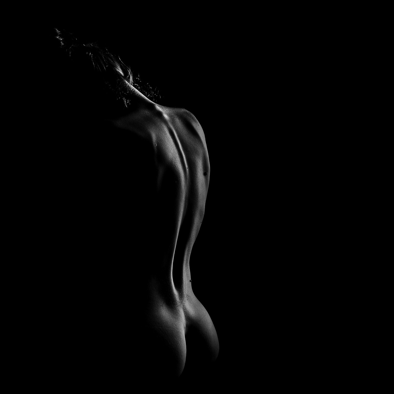 Black and white naked woman — photo 7