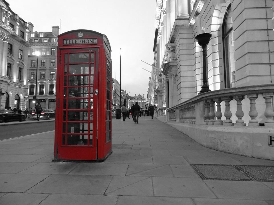 Foto Cabina Telefonica Di Londra : Cabina telefonica di londra look retrò u foto stock