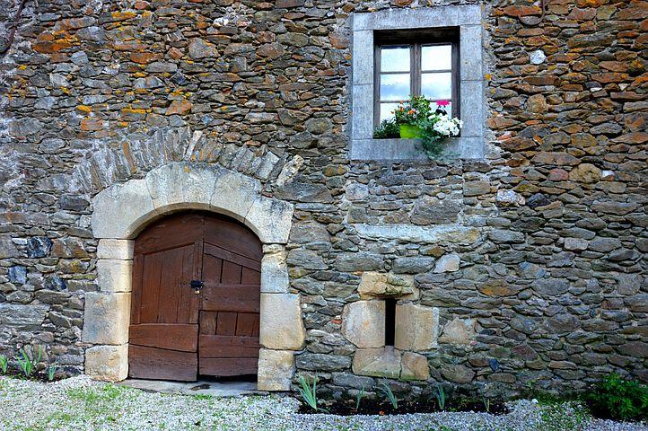 фото старинных каменных стен
