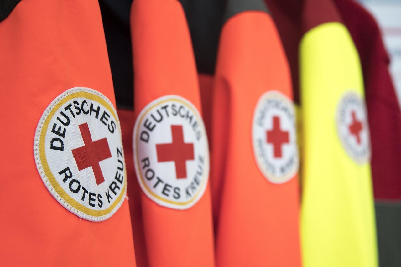 фото красного креста любой
