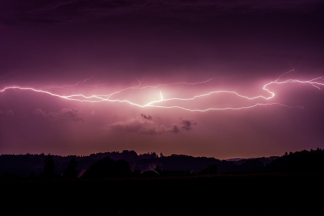 симметрии заложено качественное фото молнии сделать также