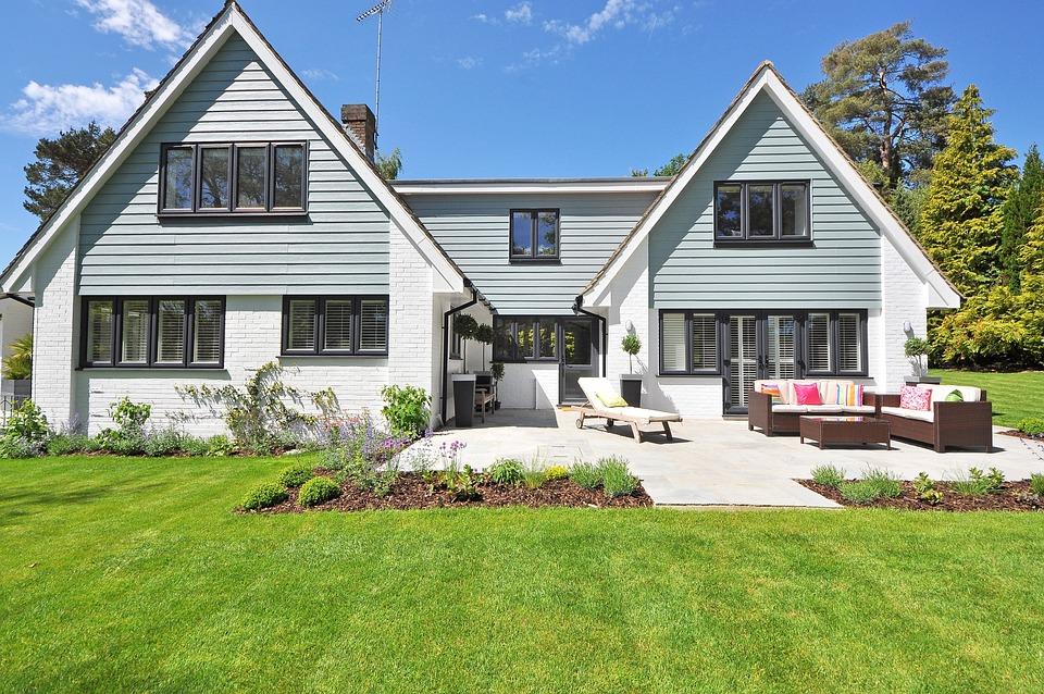 new-england-style-house-2826065_960_720.jpg (960×637)