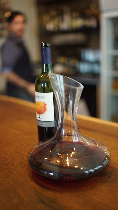 Rotwein, Wein, Dekanter, Sommelier, Bar, Ontario, Vqa