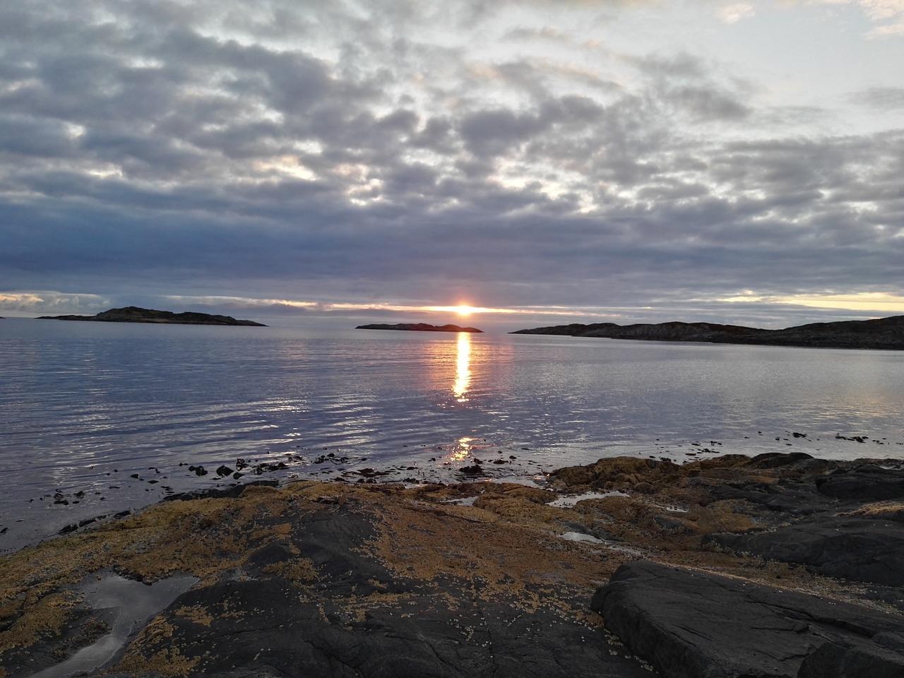 ранее над просторами северных морей фото с этой книги возникла она пустом