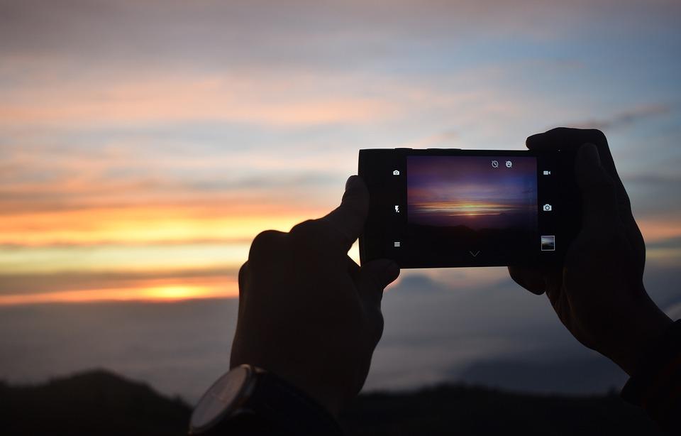 """Képtalálat a következőre: """"taking photo of sunrise"""""""