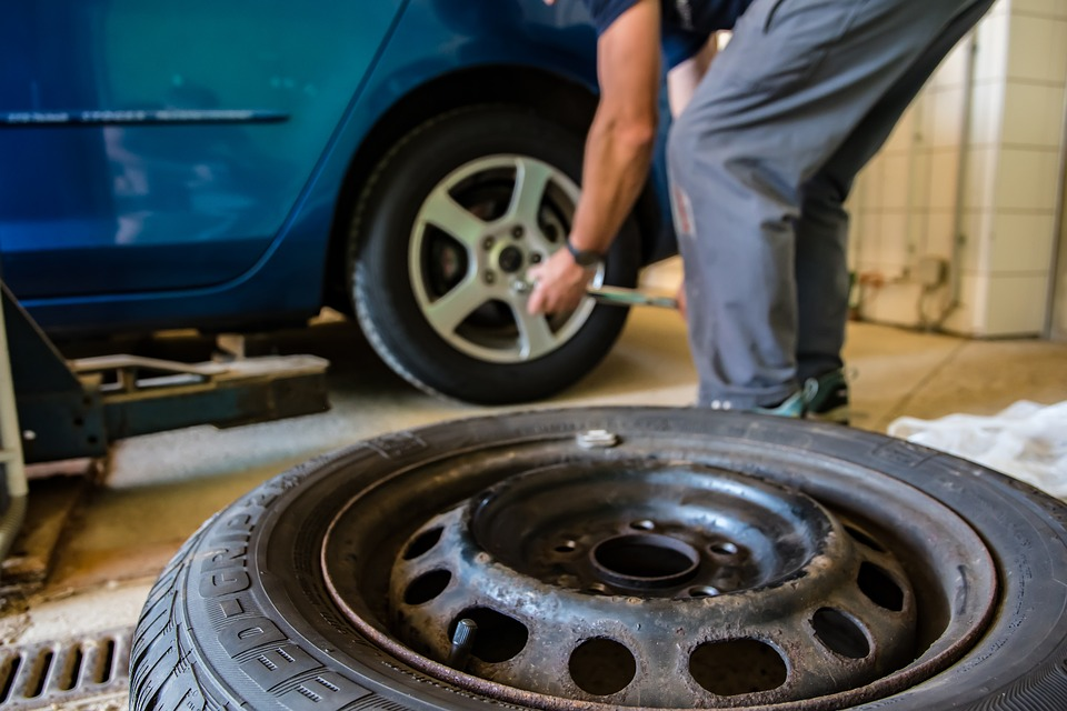 Winterreifen, Reifenwechsel, Auto, Reifen, Bereifung