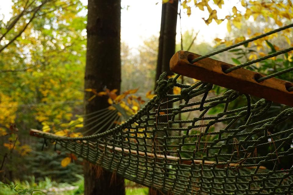 without headache venezuelan how hammock hang rope a outside backyard outdoor ideas trees hanging rain to padded