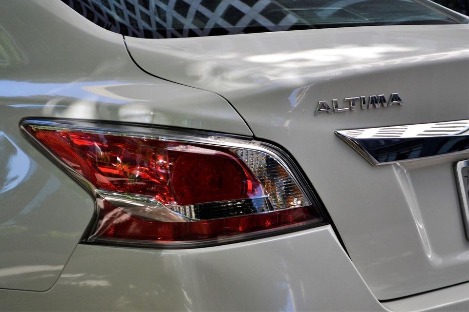 Nissan Altima White Car Tail Light Break Light Hood
