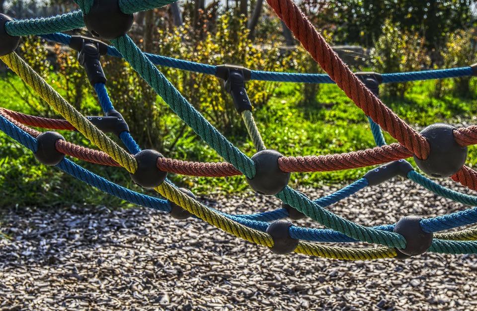 Klettergerüst English : Spielplatz klettern klettergerüst · kostenloses foto auf pixabay