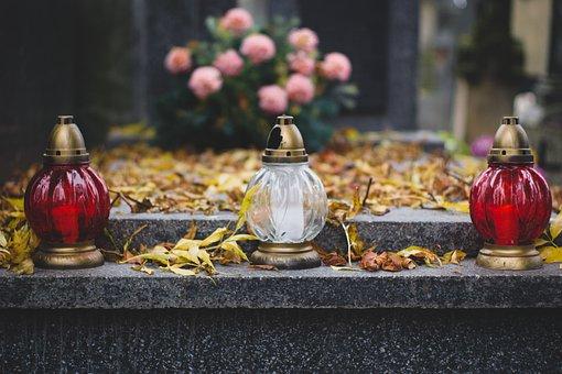 Cintorín, Práskač, Sviečky, Náhrobok