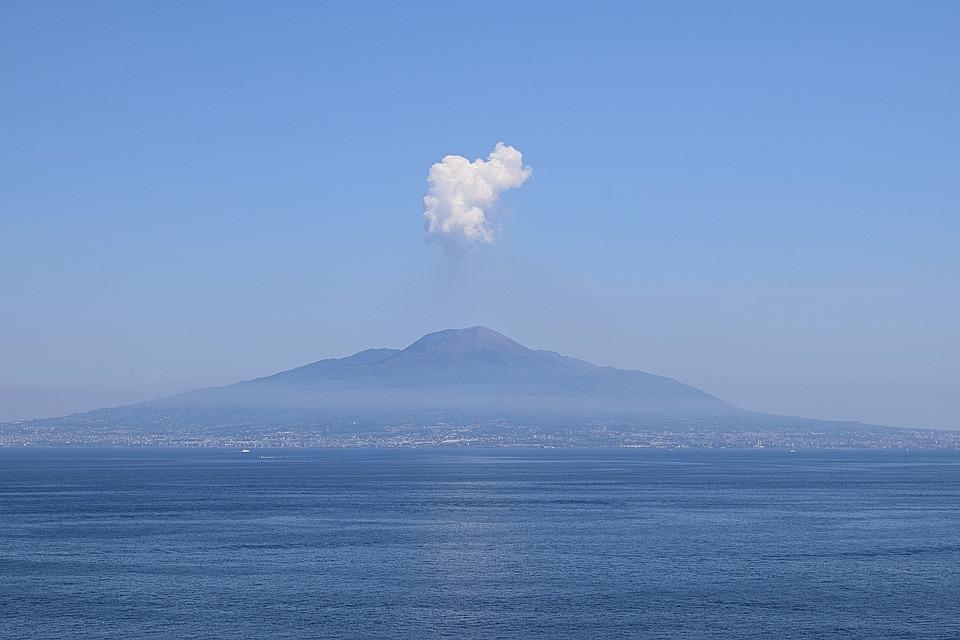 Vesuvius, Mount Vesuvius, Italy, Sorrento, Cloud, Smoke