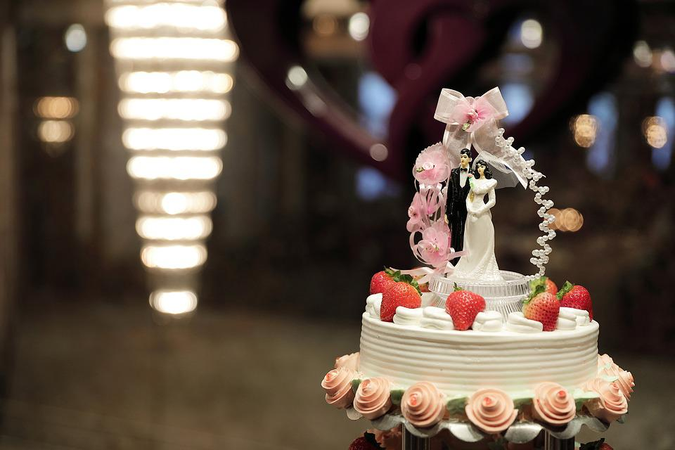 Wedding Gifts Cake - Free photo on Pixabay