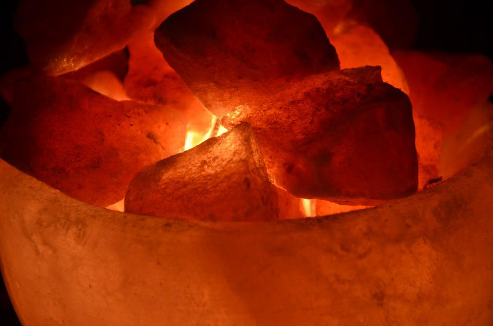 What are Himalayan salt lamps?