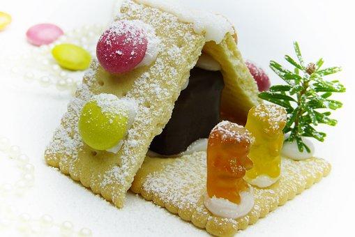 Biscuit, House, Gummibärchen, Smarties