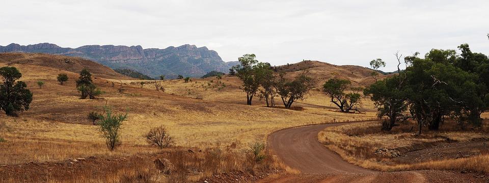 L'Outback De L'Australie, Flinders Ranges, À Distance