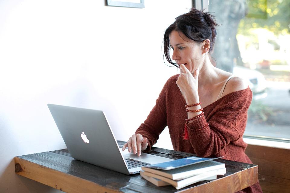Как и где искать работу, чтобы учиться и работать одновременно
