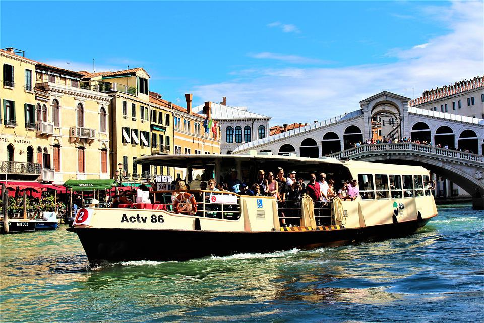 Resultado de imagen de vaporetto venecia