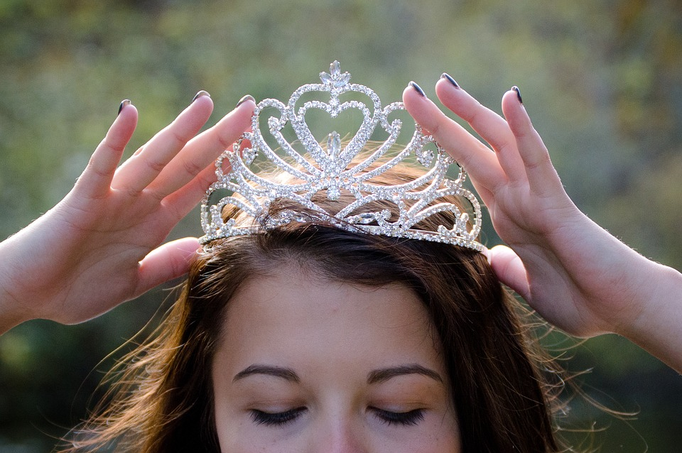 Queen, Crowning, Royalty, Luxury, Princess, Elegance