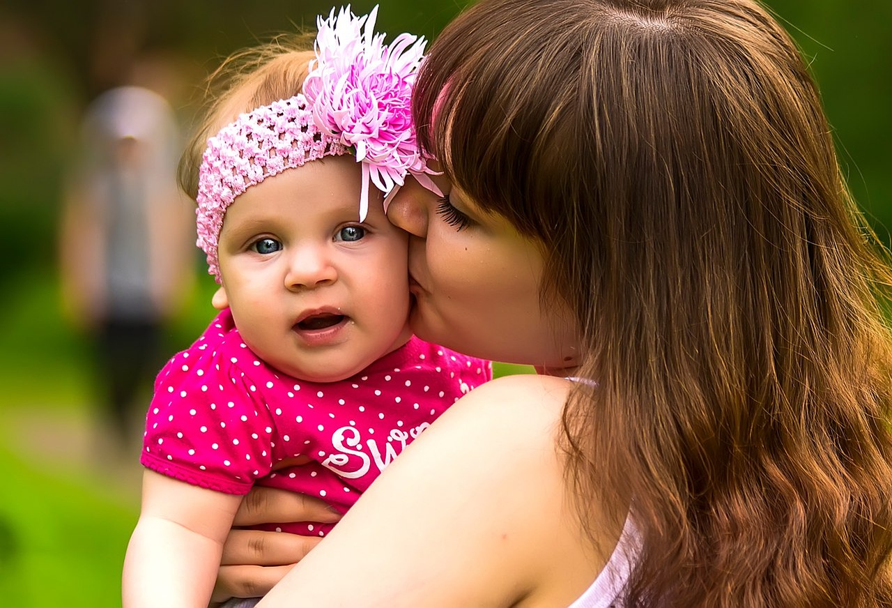 Поцелуи детки картинки