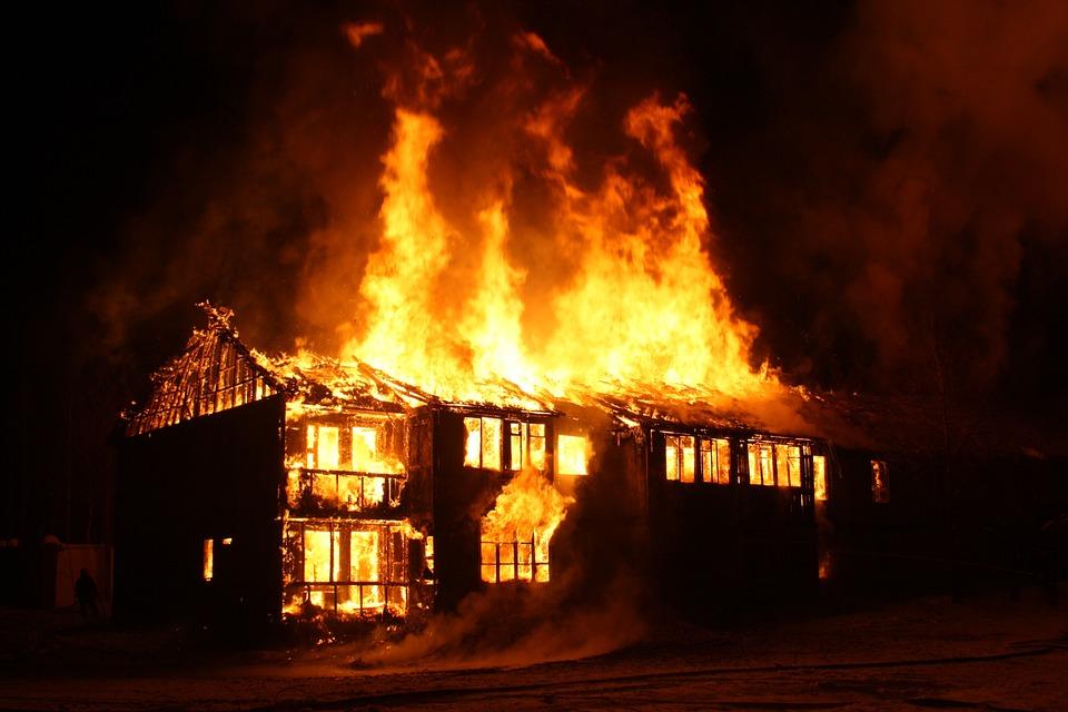 ไฟไหม้, ไฟไหม้บ้าน, เปลวไฟ
