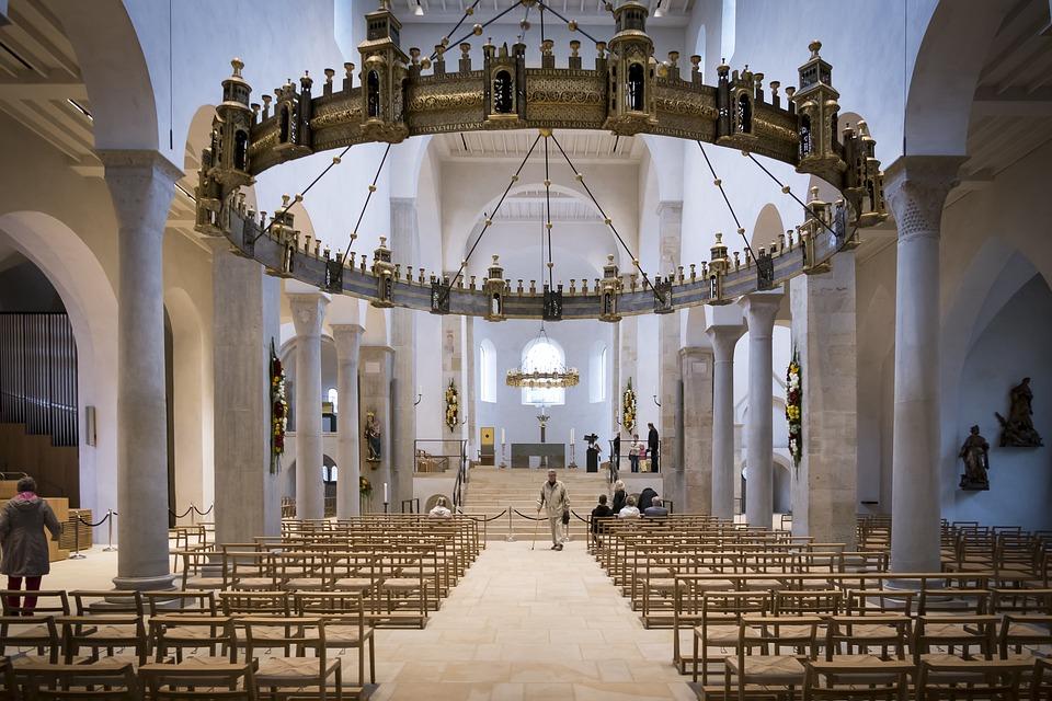 Kandelaar Kerk Verlichting · Gratis foto op Pixabay