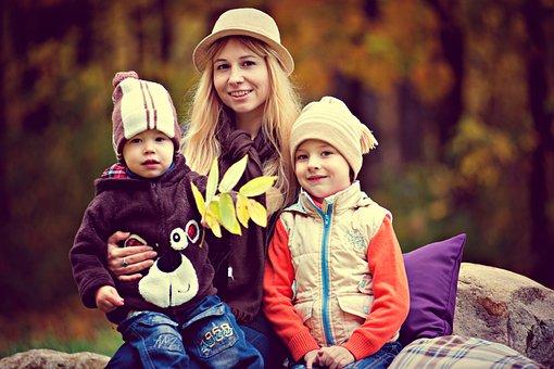公園、少年、家族、子供を持つ母