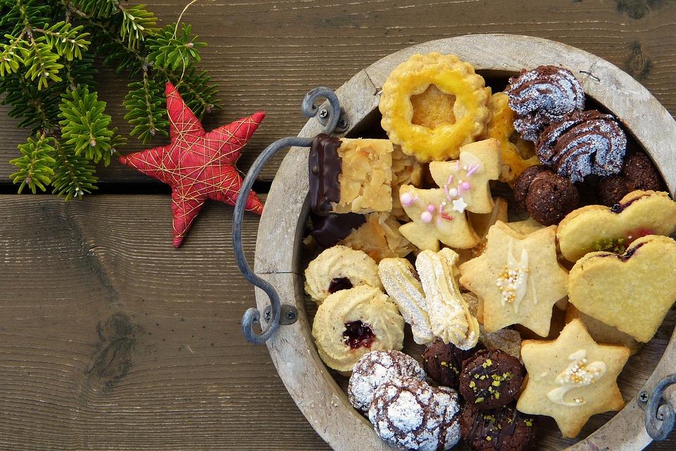 Weihnachtsplätzchen, Kekse, Weihnachtsbäckerei, Backen