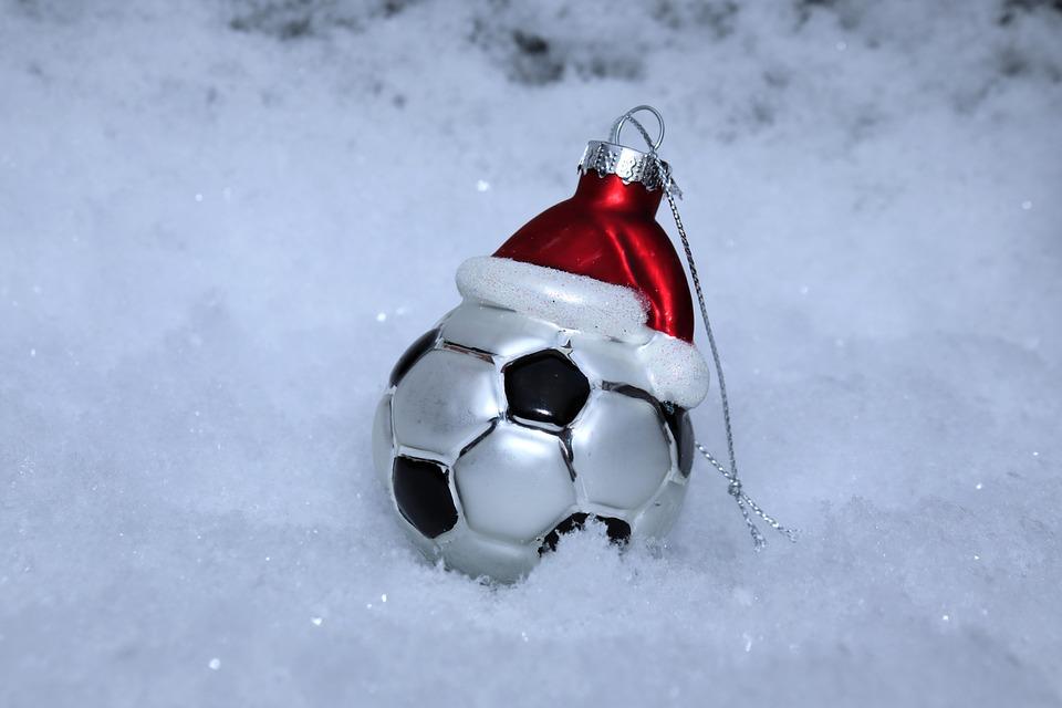 Fussball Schnee Weihnachten Kostenloses Foto Auf Pixabay