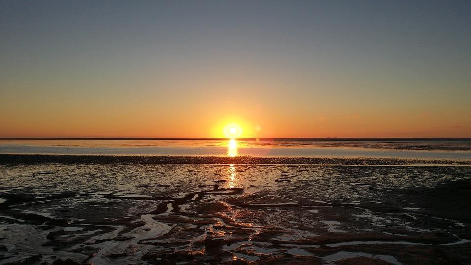 Strand nordsee sonnenuntergang  Kostenloses Foto: Nordsee, Sonnenuntergang, Watt - Kostenloses ...