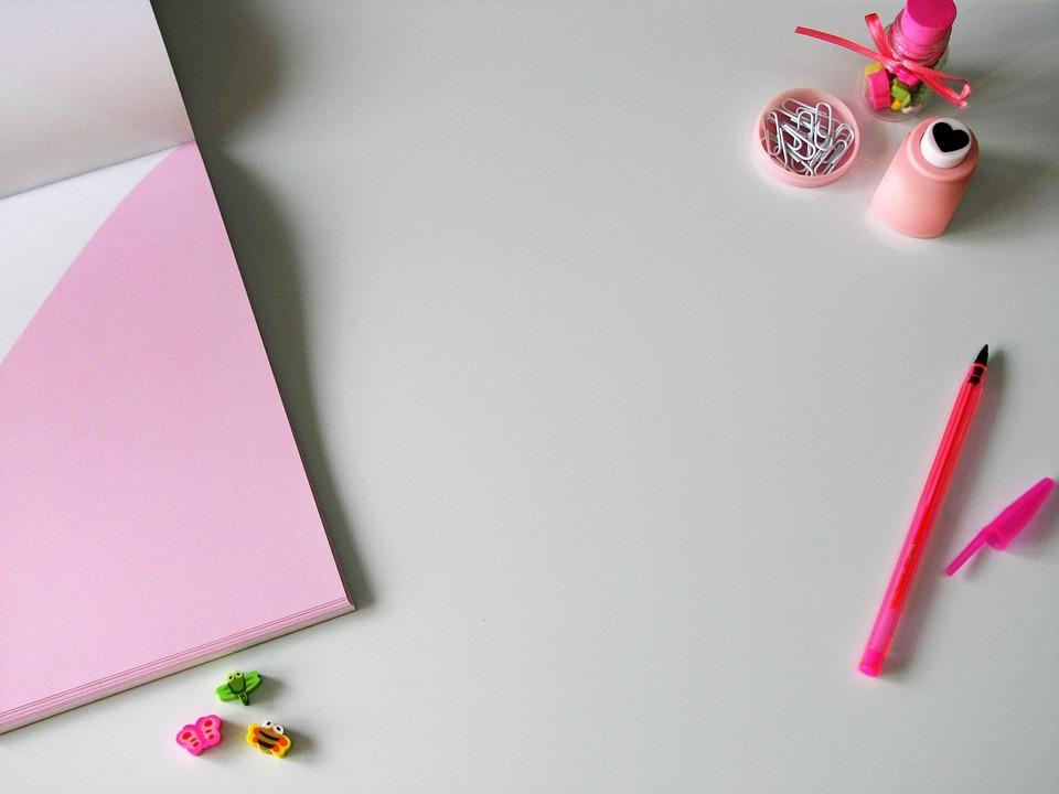 Bureau blanc rose À · photo gratuite sur pixabay