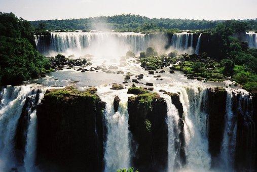 Parque Nacional de Iguazú, Cataratas