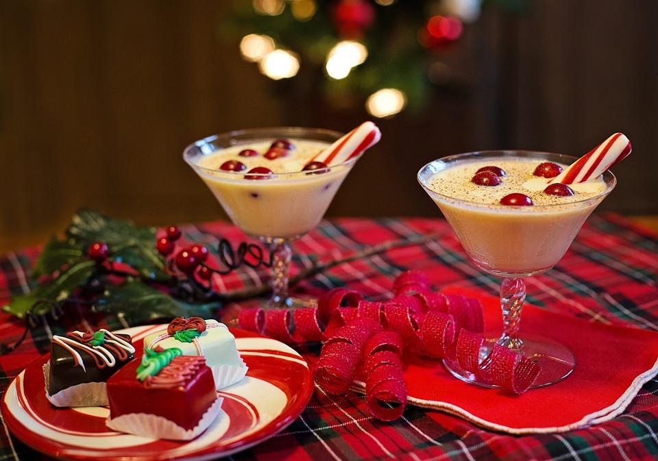 eggnog traditional Christmas drink, Christmas travel quiz