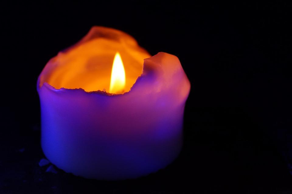 Licht Roze Kaarsen : Kaars licht kerstmis gratis foto op pixabay